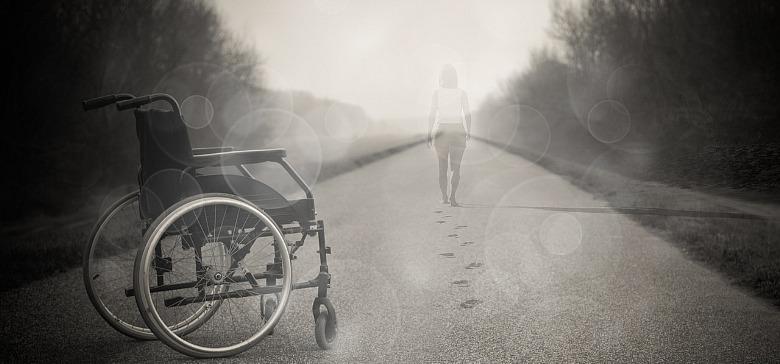 rolstoel en de hulp die nodig is.